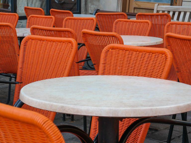«Половина ресторанов и кафе не выживет»: что происходит с ярославским бизнесом во время пандемии