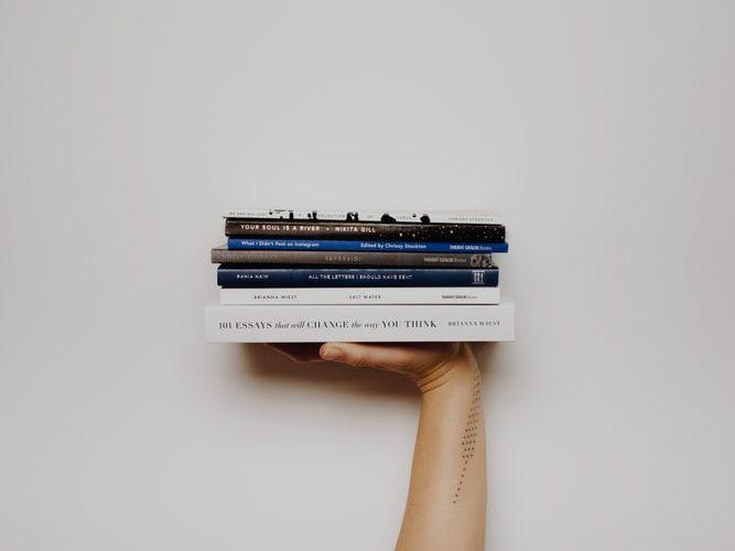 Пять книг, которые разнообразят карантин