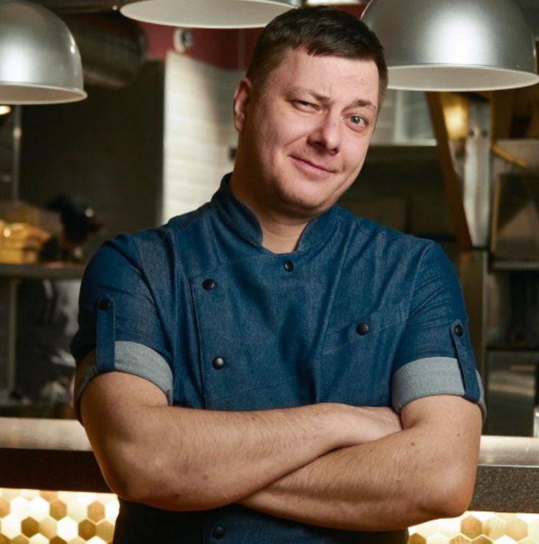«Бросил все и поехал сюда»: как московский повар стал бренд-шефом проекта в Ярославле